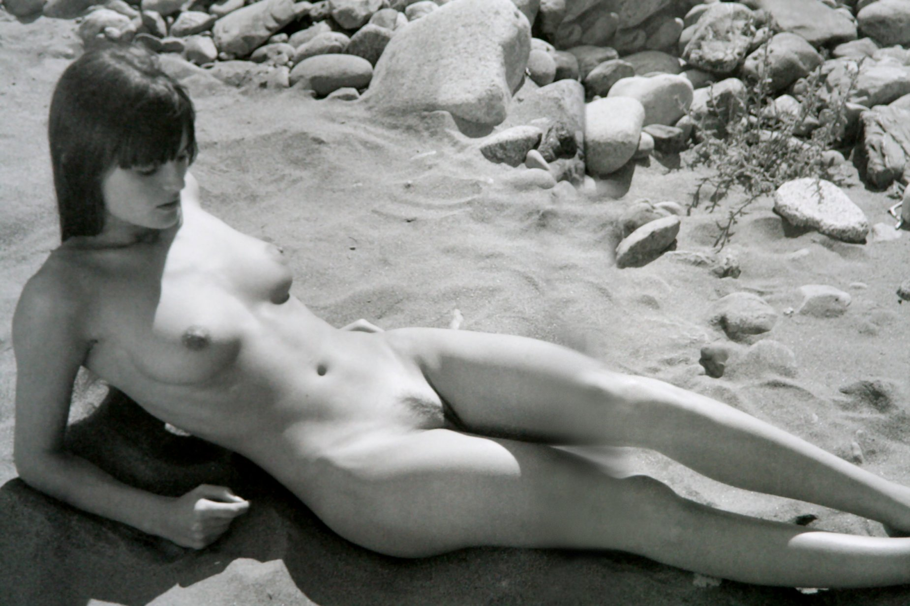 Anouk lapere nude and