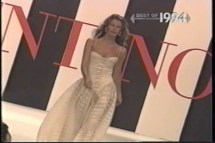 Claudia Schiffer - Runway Compilation.avi.0010