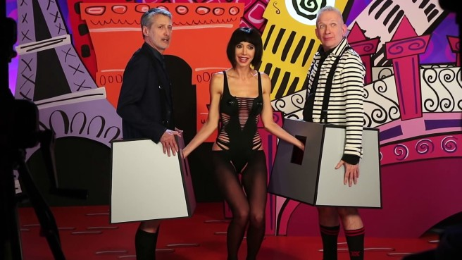 milo_moir___with_jean_paul_gaultier___antoine_de_caunes_on_eurotrash__2016_-avi-0013